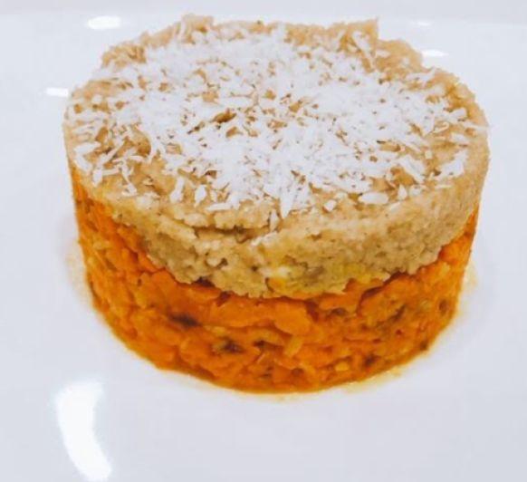 Pastel crudivegano de zanahoria y anacardos